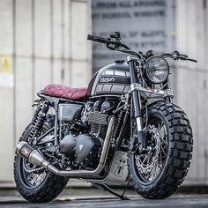 Scramblers & Trackers | @scramblerstrackers #scramblerstrackers | Here's the latest T100 Triumph by @downandoutcaferacers | Photo by Simon Krajnyak | See more at: #ToughT100 #triumph #downandoutcaferacers #triumphmotorcycle #fortheride #triumphscrambler #scrambler #scramblers | See more on our profile or facebook [ Link in profile ].