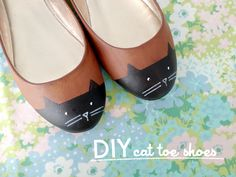 DIY Painted Cat Toe Shoes Tutorial from Scathingly Brilliant for Kittenhood here. For 9 pages of DIYs with cats including more shoes, rings, cat beds, cat fashion etc… go here: truebluemeandyou.tumblr.com/tagged/cats