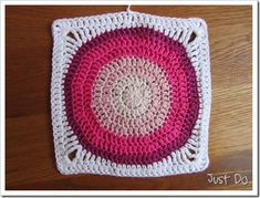 Circle inside square crochet with pattern and great instructions including pics!