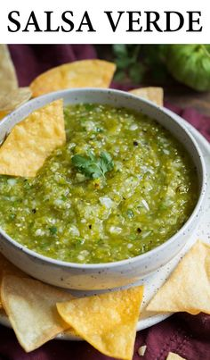 Salsa Verde - this is the best salsa verde! It's so easy to make and the flavors are perfectly bright and refreshing. You'll never want it bottled again! Mexican Salsa Recipes, Mexican Dishes, Green Salsa Recipes, Green Salsa Verde Recipe, Salsa Recipe Easy, Mexican Salsa Verde, Tomatillo Salsa Recipe, Fresh Salsa Recipe, Salsa Verte