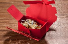 $11.39 | 25pcs/lot Wedding Decoration Chocolate Box Red Color Candy Box Laser Cutting Gift Box For Wedding Favors