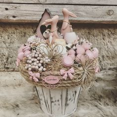 Easter Projects, Easter Crafts, Projects To Try, Diy Wedding Shoes, Easter Flowers, Easter Wreaths, Flower Boxes, Spring Crafts, Flower Crafts