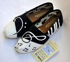 Custom Handpainted Music TOMS by TheIndependentSoul on Etsy, $95.00  WAY TO EXPENSIVE but Cuteeee