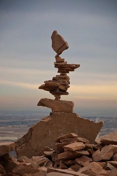 Stone Balance Installations by Michael Grab Amazing stone balance art using only gravity to hold them together. Land Art, Michael Grab, Stone Balancing, Art Et Nature, Rock Sculpture, Stone Sculptures, Balance Art, Rock And Pebbles, Environmental Art
