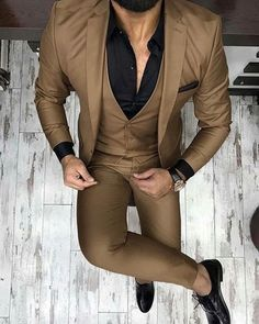 Check out Inherent Clothier shop for Premium Quality Suits! Top Fashion, Trend Fashion, Mens Fashion Suits, Fashion Sale, Fashion Outlet, Paris Fashion, Runway Fashion, Girl Fashion, Womens Fashion