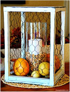 Best DIY Ideas With Chicken Wire - Chicken Wire Centerpiece - Rustic Farmhouse Decor Tutorials With Chickenwire and Easy Vintage Shabby Chic Home Decor for Kitchen, Living Room and Bathroom - Creative Country Crafts, Furniture, Patio Decor and Rustic Wall Rustic Farmhouse Decor, Rustic Decor, Farmhouse Design, Modern Farmhouse, Farmhouse Style, Rustic Patio, Rustic Room, Kitchen Rustic, Farmhouse Furniture