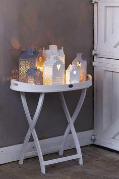 Milchtüten, Stanzer, weiße Farbe, Lichterkette