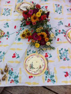 Picnic in summertime with Wrennwood Designs. #vintagechina#wedding#atlantarentals#englishchina