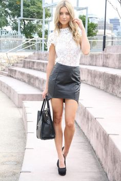"brawnjohnson: "" 76 that is a sexy leather skirt over those sexy legs! Fashion Moda, Skirt Fashion, Fashion Outfits, Net Fashion, Fashion Heels, Fashion Styles, Trendy Fashion, Beauté Blonde, Sexy Rock"
