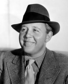 Charles LAUGHTON (1899-1962) * AFI Top Actor nominee, in 1934. Notable Films: The Hunchback of Notre Dame (1939); The Old Dark House (1932); The Sign of the Cross (1932); The Private Life of Henry VIII (1933); The Barretts of Wimpole Street (1934); Les Miserables (1935); Mutiny on the Bounty (1935); Ruggles of Red Gap (1935); Hobson's Choice (1954); Witness for the Prosecution (1957); Spartacus (1960)