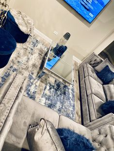 """CourtDawg - - """"I love how my place came together so I'm showing it off . Blue Living Room Decor, Glam Living Room, Living Room Goals, Elegant Living Room, Living Room Designs, Living Rooms, Cozy Living, Modern Living, First Apartment Decorating"""