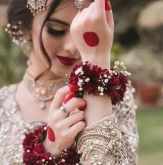 Meet your Posher, Deesh Pakistani Fashion Party Wear, Pakistani Bridal Makeup, Indian Bridal Outfits, Pakistani Wedding Outfits, Indian Bridal Fashion, Indian Bridal Hairstyles, Pakistani Dresses, Couple Wedding Dress, Bridal Makeover