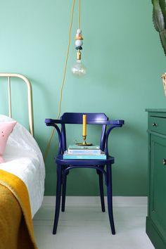 MY ATTIC SHOP / vintage / Thonet / chair / stoel / blauw / blue / slaapkamer / bedroom Photography: Marij Hessel www.entermyattic.com