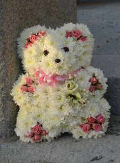 Bear Shaped as Flower Arrangements | ... Flowers, Animal Floral, Flower Arrangements, Diseño Floral Flowers