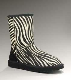 Womens Classic Short Exotic By UGG Australia & they have them in Cheetah ! Oh my do I need these