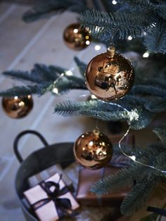 Add a touch of opulence to your festive tree with our set of six hand blown copper baubles. Made from quality glass with a high shine finish, each of our striking copper baubles features a matching copper loop top for adding string or raffia. Team with our CopperBauble Hooks and hang from our Fabulous Frosted Fir Tree.