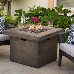 Christopher Knight Home Fairbanks Outdoor 32-inch Square Liquid Propane Fire Pit with Lava Rocks