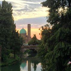 Camminando per la mia città ... #adhocband #enjoy #live #music #rock #tramonto #Padova
