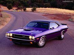 http://www.walldesk.net/pdp/1024/13/03/1950-1970/1970-Dodge-Challenger-Hemi.jpg