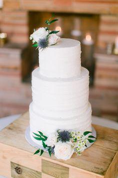Wedding Cake Inspiration Floor Length Veil, Food Platters, Wedding Cake Inspiration, Walking Down The Aisle, Simple Elegance, Floral Arrangements, Wedding Planner, Wedding Cakes, Wedding Decorations