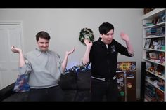 Pop it Dan and Phil.. I thought this was the funniest so I had to screenshot