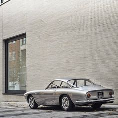 "9,783 Likes, 34 Comments - Car&Vintage® (@car_vintage) on Instagram: ""• Minimal&Vintage. Ferrari 250 GT/L ""Lusso"" • laclassica.carandvintage.it By @tfjj #CarVintage…"""