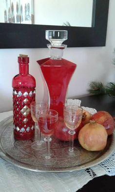 Greek Desserts, Wine Decanter, Coffee Drinks, Barware, Blog, Birds, Wine Carafe, Blogging, Bird