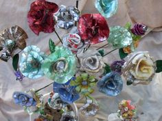 cd flowers Recycled Cds, Repurposed, Cd Project, Old Cds, Cd Crafts, Cd Art, Sculptures, Recycling, Artisan