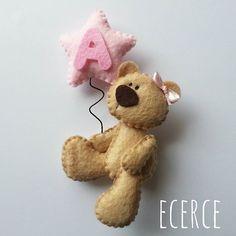 #keçe #felt #fieltro #feltro #craft #feltcraft #baby #hediye #babyshower #elyapımı #handmade #magnet #keçemagnet #doğumhediyelikleri #bebekşekerleri #keçebebekşekeri #bebekşekeri #bebekodası #babygirl #girl #ecerce #tasarım #babyroomdecor #babyroom #bearlove #bear #feltbear