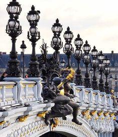 Pont Alexandre III. https://instagram.com/p/BhCU8bxhUY0/
