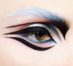 winged eyeliner, coloured brows