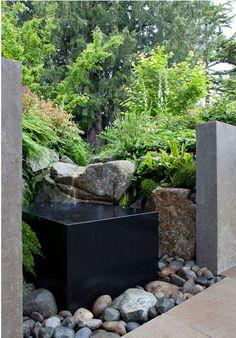 Garden Fountain / Paul R Broadhurst + Associates | Lakeside Residence
