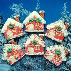 gingerbread house cookies, christmas Source by ksueteel Christmas Gingerbread House, Noel Christmas, Christmas Treats, Christmas Baking, Gingerbread Houses, Fancy Cookies, Iced Cookies, Cute Cookies, Cupcake Cookies