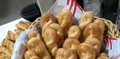 Φανταστικά παραδοσιακά κουλουράκια που ταιριάζουν φοβερά με τον καφέ Cool Words, Sausage, Meat, Nice, Food, Sausages, Essen, Meals, Nice France
