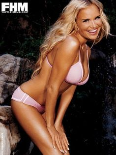 Kristin Chenoweth Is A Singer And Actress Who Is Originally From Broken Arrow Oklahoma She Was Born July Kristin Chenoweths Height Is Four Feet Eleven