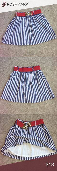 """Very Cute skirt/ like new Cute striped skirt in size large. Like new , i only wore it to a party.   It is fully lined under and Waist measures about 30"""". Fits a smaller waist / size Medium just fine when worn with a belt. XXI Skirts Mini"""
