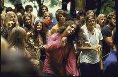 Girls-of-Woodstock,-1969-(14)