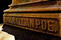 Lær alt om livet til Edgar Allan Poe - Utforsk Sinnet The Raven, Book Of Poems, Allen Poe, New Wife, John Keats, Most Haunted, Greek Quotes, Steve Jobs, Tolkien