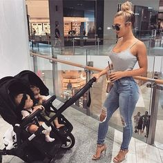 Tammy Hembrow // I love the stroller Cute Family, Baby Family, Family Goals, Mom And Baby, Baby Love, Tammy Hembrow, Future Mom, Pregnancy Outfits, Twin Babies