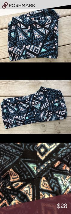 Lularoe OS leggings Excellent used condition.  Worn once and washed per LLR standards.  If there is any piling, it's not noticeable at all.  I added a photo just in case.  Destashing to pay for nursing school graduation.  They are black, darker gray, mint, peach. LuLaRoe Pants Leggings