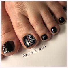 Gold Manicure, Pedicure Nail Art, Toe Nail Art, Pretty Toe Nails, Cute Toe Nails, Cute Acrylic Nails, Black Nail Designs, Toe Nail Designs, Stylish Nails