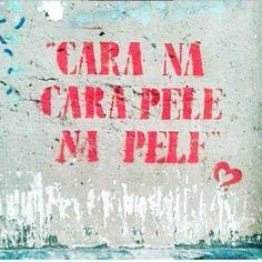 Sobre as boas coisas da vida! Daqui: @coisasquenaosaominhas via @olheosmuros #frases #streetart #amor #saudade