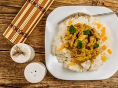 plate food table dish curry cuisine meal coconut produce asian food breakfast white rice steamed rice thai food vegetable chinese food fried rice