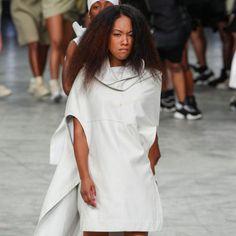 Lange blanke modellen met maatje 'zero' domineren al jaren de modellenwereld en de beautyindustrie. Donkere modellen zoals Iman en Naomi Campbell hebben hun ongenoegen geuit over het feit dat er een gebrek aan diversiteit is op de catwalks tijdens de beroemde en geliefde fashion weeks. Tijdens de fall/winter 2013 shows... Read More →