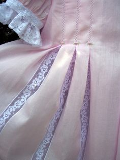 Susan Stewart Designs - inset pleats on Lily pattern