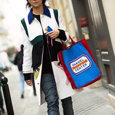shopping street style chanel