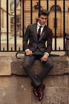I just don't know what is it about this suit, that fascinates me so much!  It's just perfect, I'm so infatuated with it, would like to have something like this!  :o