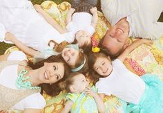 love this family picture idea