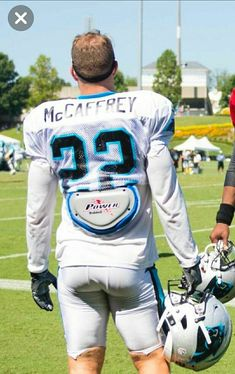 Christian Mccaffery, Carolina Panthers Football, Luke Kuechly, Blonde Guys, Men In Uniform, Sports Pictures, Sport Man, Good Looking Men, American Football