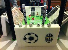 #torta #compleanno #calcio #cake #football #Juventus #birthday #birthdaycake #stadio #bianconero #cakesdesign #chiryscakes